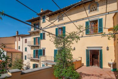 VALDARNO: HISTORICAL BUILDING WITH PANORAMIC VIEW FOR SALE, FITNESS AREA, GARDEN, HISTORICAL CENTRE, FRESCOES, LUXURY FINISHES, VILLA, LUXURY VILLA