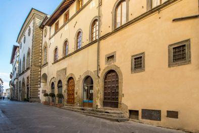HISTORICAL TOWN HOUSE FOR SALE, SANSEPOLCRO, TUSCANY