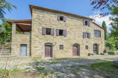 RUSTIC COUNTRY HOUSE FOR SALE IN LORO CIUFFENNA, TUSCANY | Romolini - Christie's