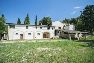 PERIOD VILLA WITH 32.7 HA OF LAND FOR SALE IN FOLIGNO, UMBRIA | Romolini - Christie's