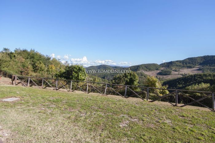 FARM ESTATE WITH AGRITURISMO SALE GUBBIO, UMBRIA