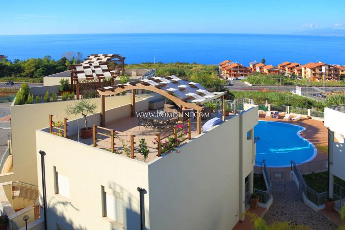 SEA VIEW APARTMENT FOR SALE IN CALABRIA