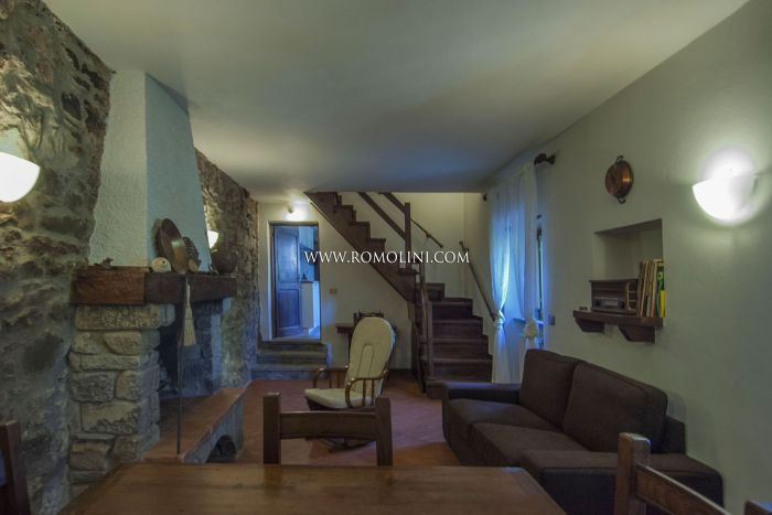 APARTMENT WITH PANORAMIC VIEW FOR SALE IN CAPRESE MICHELANGELO, TUSCANY
