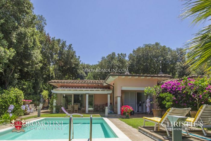 PUNTA ALA: SEMI-DETACHED VILLA WITH POOL FOR SALE