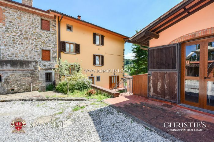 AGRITURISMO WITH MASTER VILLA FOR SALE IN PISTOIA, TUSCANY