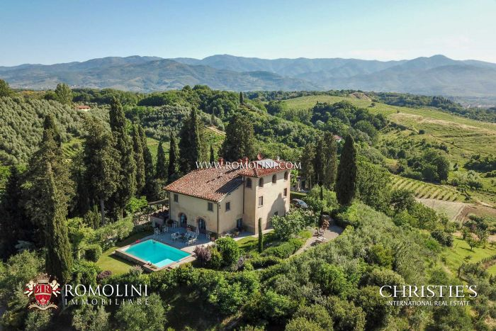 TUSCAN MANOR HOUSE FOR SALE, AREZZO, VALDARNO