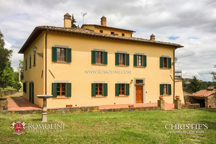 PERIOD VILLA FOR SALE IN TUSCANY