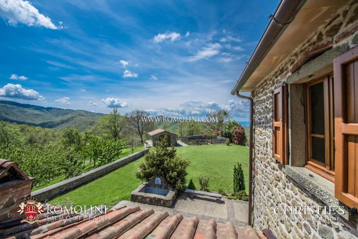 OFF-GRID PROPERTY, ECO-SUSTAINABLE ESTATE FOR SALE IN TUSCANY