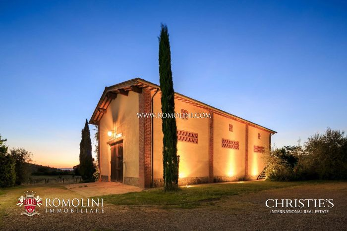 ORGANIC VINEYARDS AND WINERY FOR SALE IN CORTONA, TUSCANY