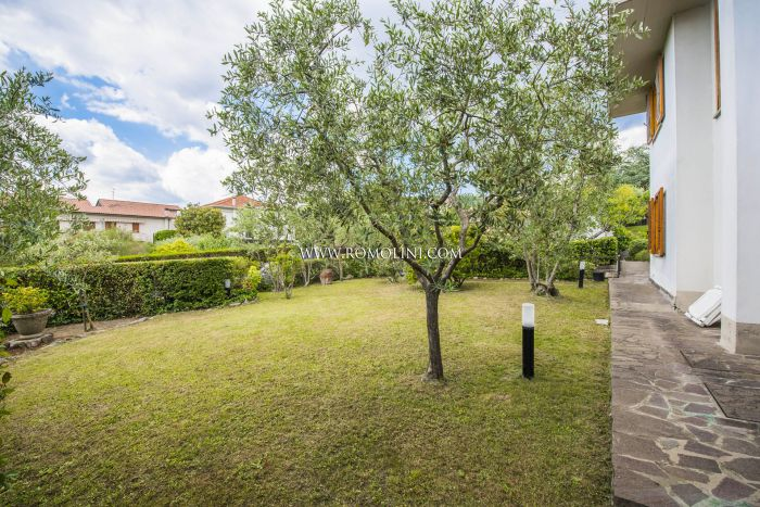 SEMIDETACHED HOUSE WITH GARDEN AND GARAGE FOR SALE IN SANSEPOLCRO, TUSCANY