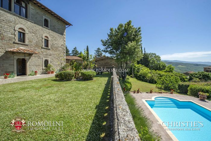 MANOR HOUSE FOR SALE IN CAPRESE MICHELANGELO, TUSCANY