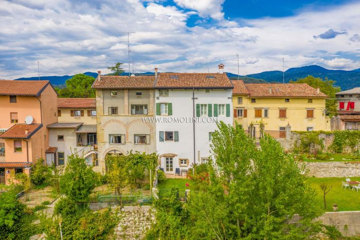 TOWNHOUSE WITH GARDEN FOR SALE IN CIVIDALE DEL FRIULI